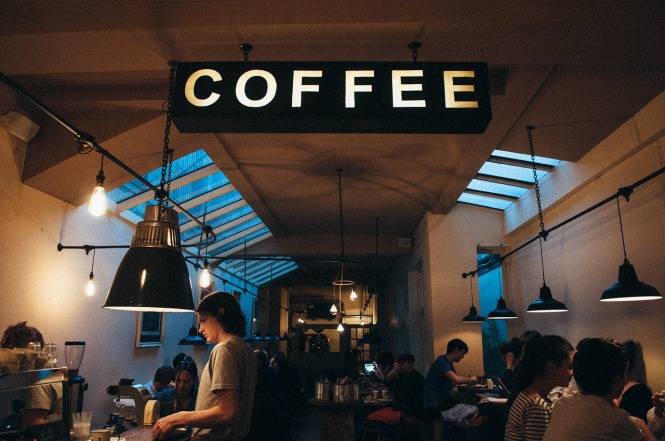 coffee-shop-1149155_1280.jpg