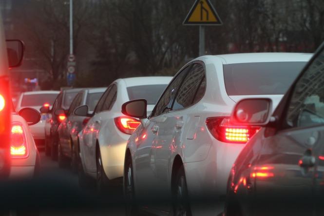 traffic-jam-688566_1280.jpg